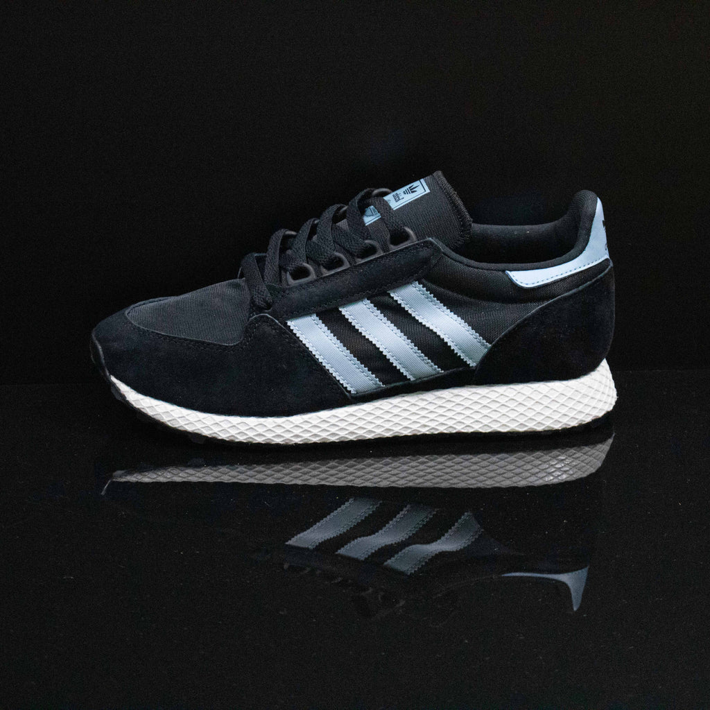 ADIDAS : Women's Forest Grove, Black/Ash Grey