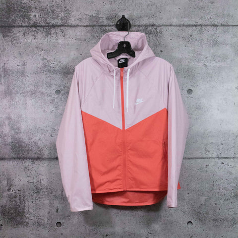 NIKE : Women's Windrunner Jacket, Pink