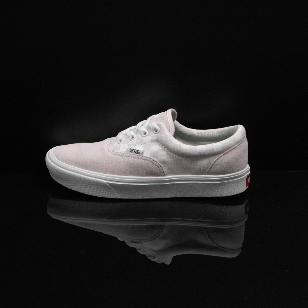 VANS : Women's Era Comfycush Checkerboard, Marshmallow/White