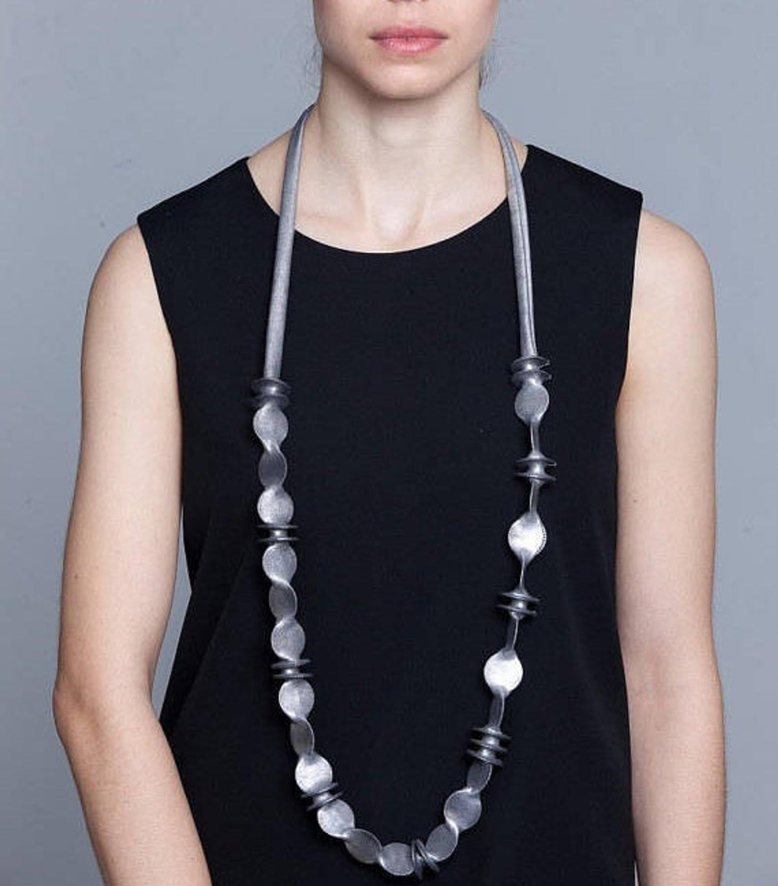 Asymmetric Degrade Discs Necklace