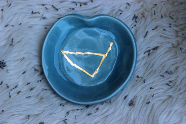 Capricorn Constellation Dish-GratefulGemHead