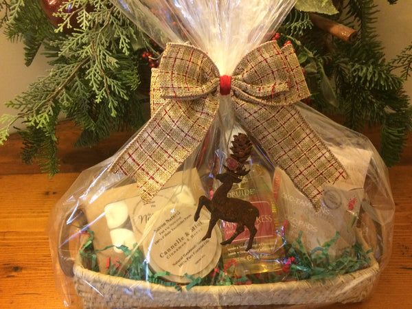 "Holiday Gift Basket ""Le Local"""