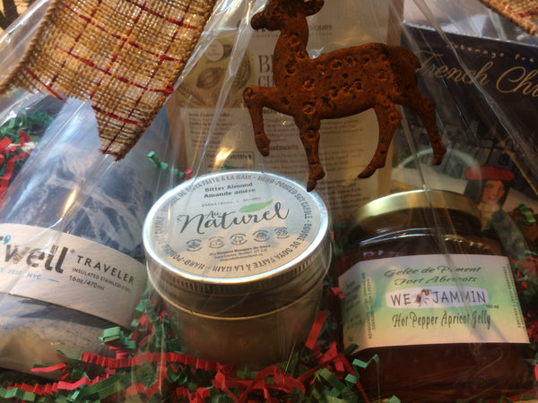 "Holiday Gift Basket ""Le Grand Voyageur"""