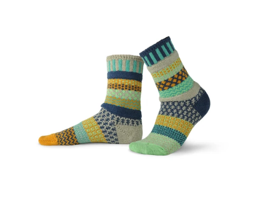 Aloe Adult Crew Socks