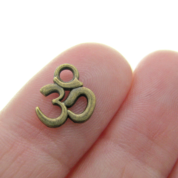 Antique Brass Ohm Charms / Bronze Yoga Ohm Meditation Pendants (9x11mm) [10 pieces] -- Lead, Nickel & Cadmium Free 4644.J5C
