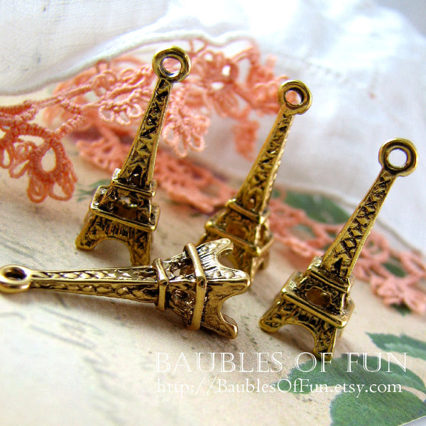 10 pieces Antique Gold Eiffel Tower 3D Charms / Golden Parisian Eiffel Tower Pendants (23x8mm) -- Lead Free Jewelry Findings A34