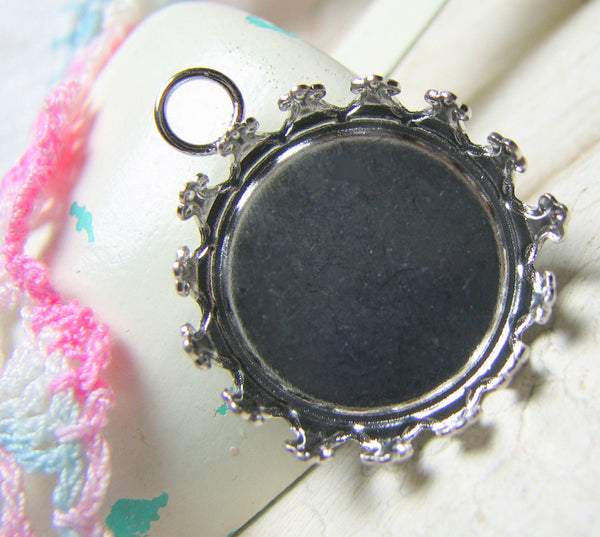 Silver Crown Cabochon Settings / Bezels with 18mm Domed Glass Cabochons [3 pieces] -- Lead, Nickel & Cadmium Free G2