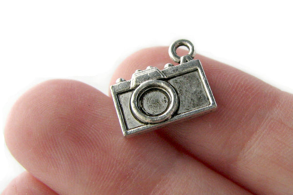 Antique Silver Camera Charms / Silver Vintage Camera Photography Charms [10 pieces] -- Lead, Nickel & Cadmium Free 93413.J1C