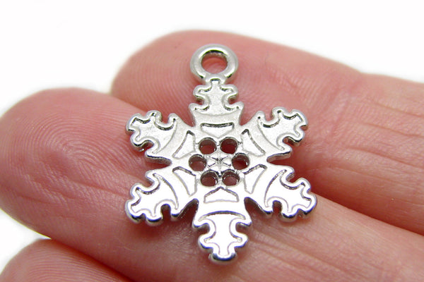 Single Silver Snowflake Charm [1 piece] -- Perfect for necklaces, bracelets, or scrap booking  115.L1