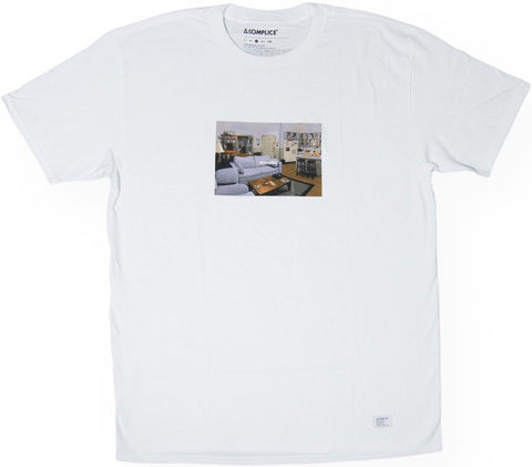 T-SHIRT / AKOMPLICE / APARTMENT - WHITE