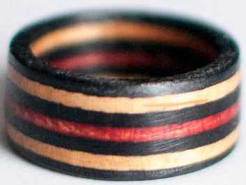 RINGS / RECYCLED RING / 10 -BLACK/RED/BLACK