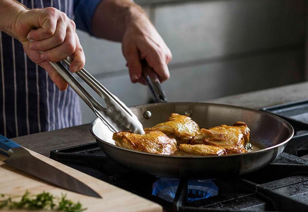 Skillet vs. Pan: Which Is Best for Your Cooking Needs?