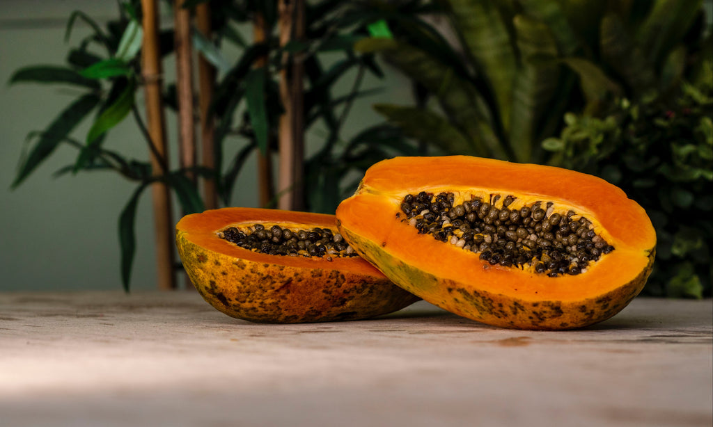 How to Cut a Papaya for a Variety of Delicious Dishes