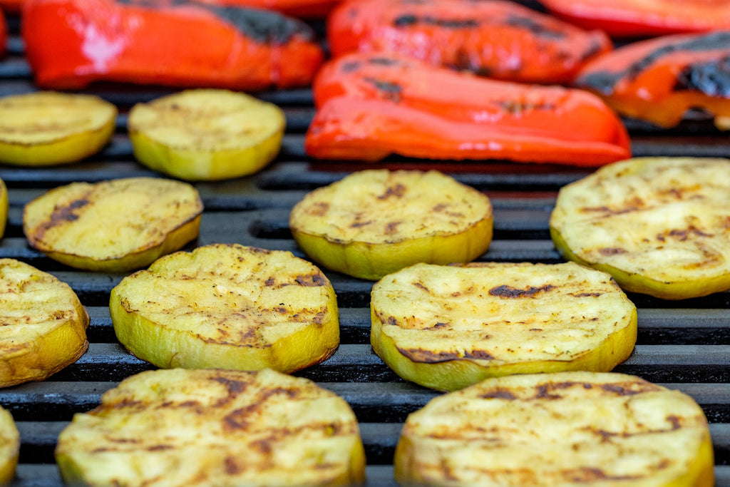 How to cut eggplant: skinless eggplant rounds on the grill