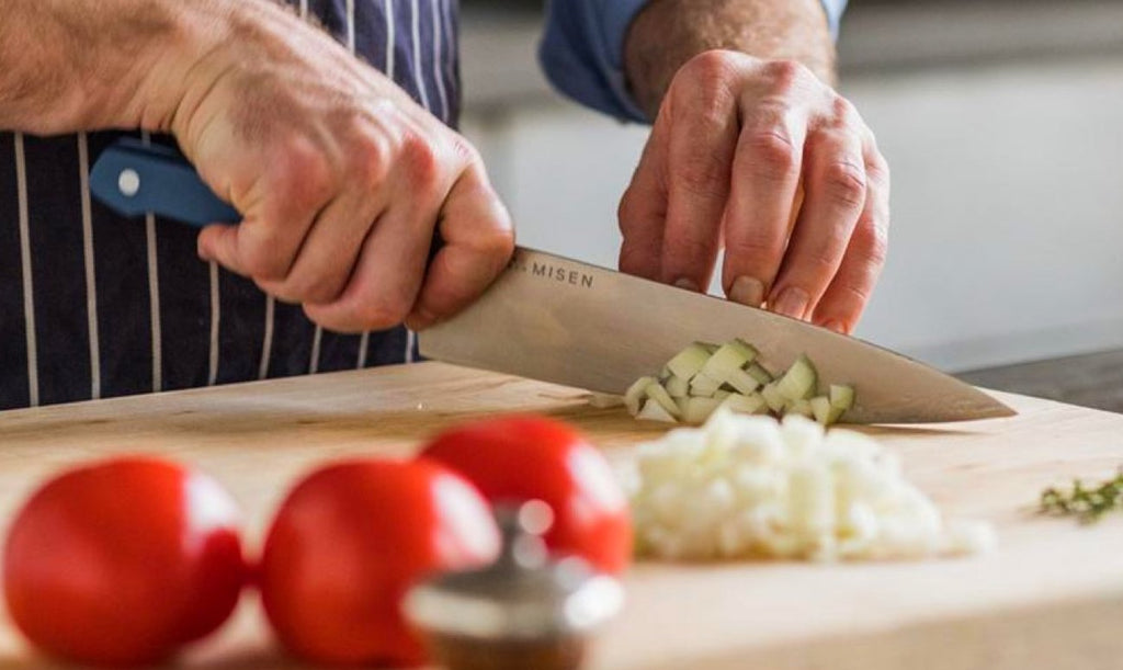 How to cut garlic: Chef uses Misen Chef's Knife to chop