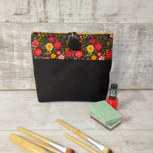 Button Pouch In Dark Florals - Olganna