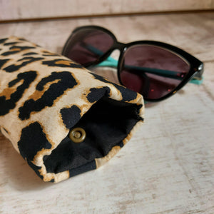 Bee Glasses Case - Padded with snap fastening.