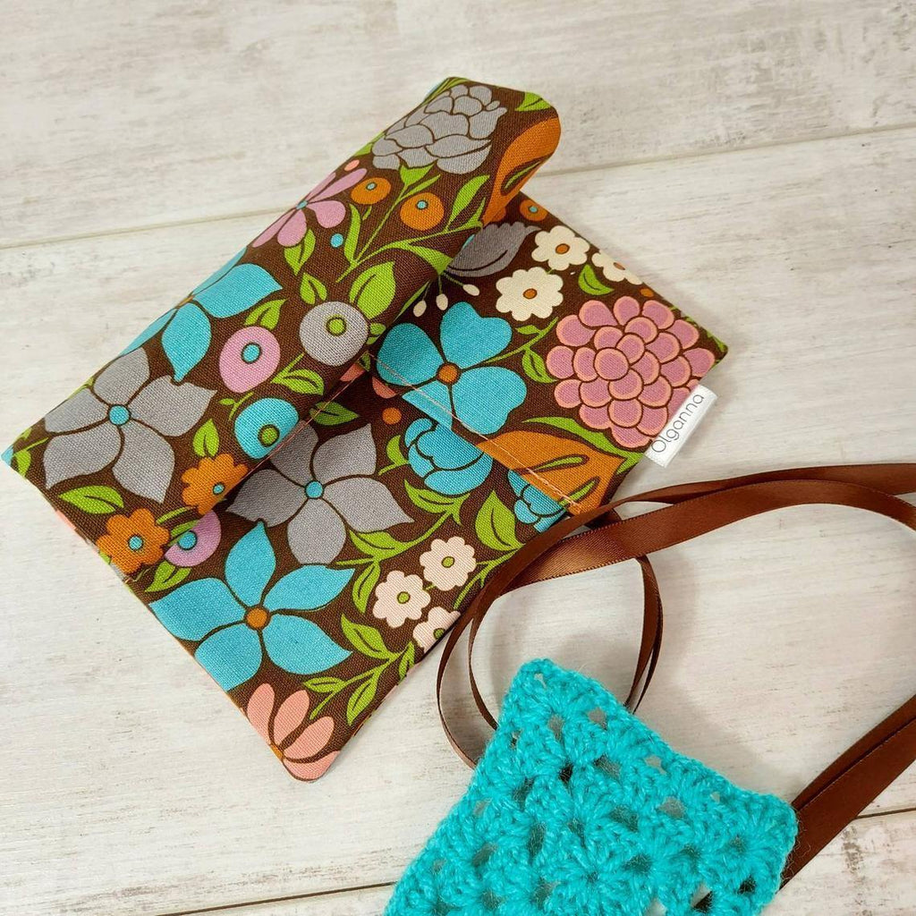 Retro Print Crochet Hook Case