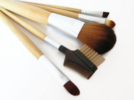 Make Up Brushes, Set of 5 Natural Wooden Handled