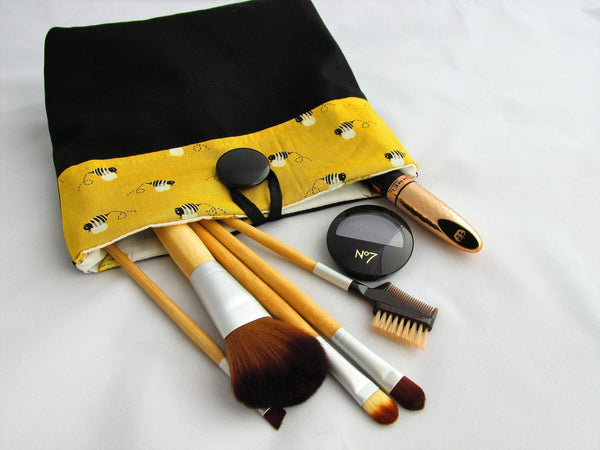 MAKE UP BAG AND BRUSHES
