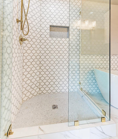 Walk-In Shower with Arabesque Lanterns Tile