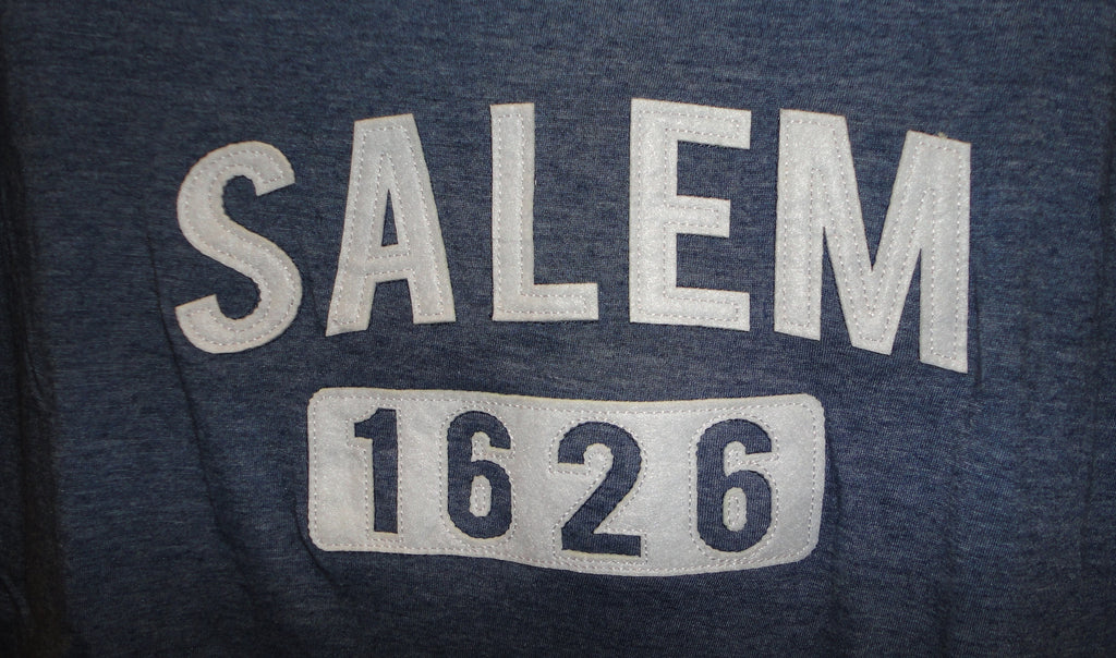 Tee Salem 1626 patch V-neck (unisex)