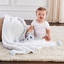 LUXURY BABY BLANKET & RATTLE GIFT SET  BLUE