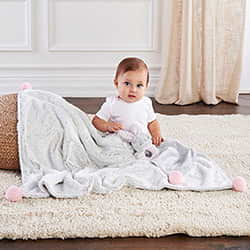 LUXURY BABY BLANKET $ RATTLE GIFT SET PINK