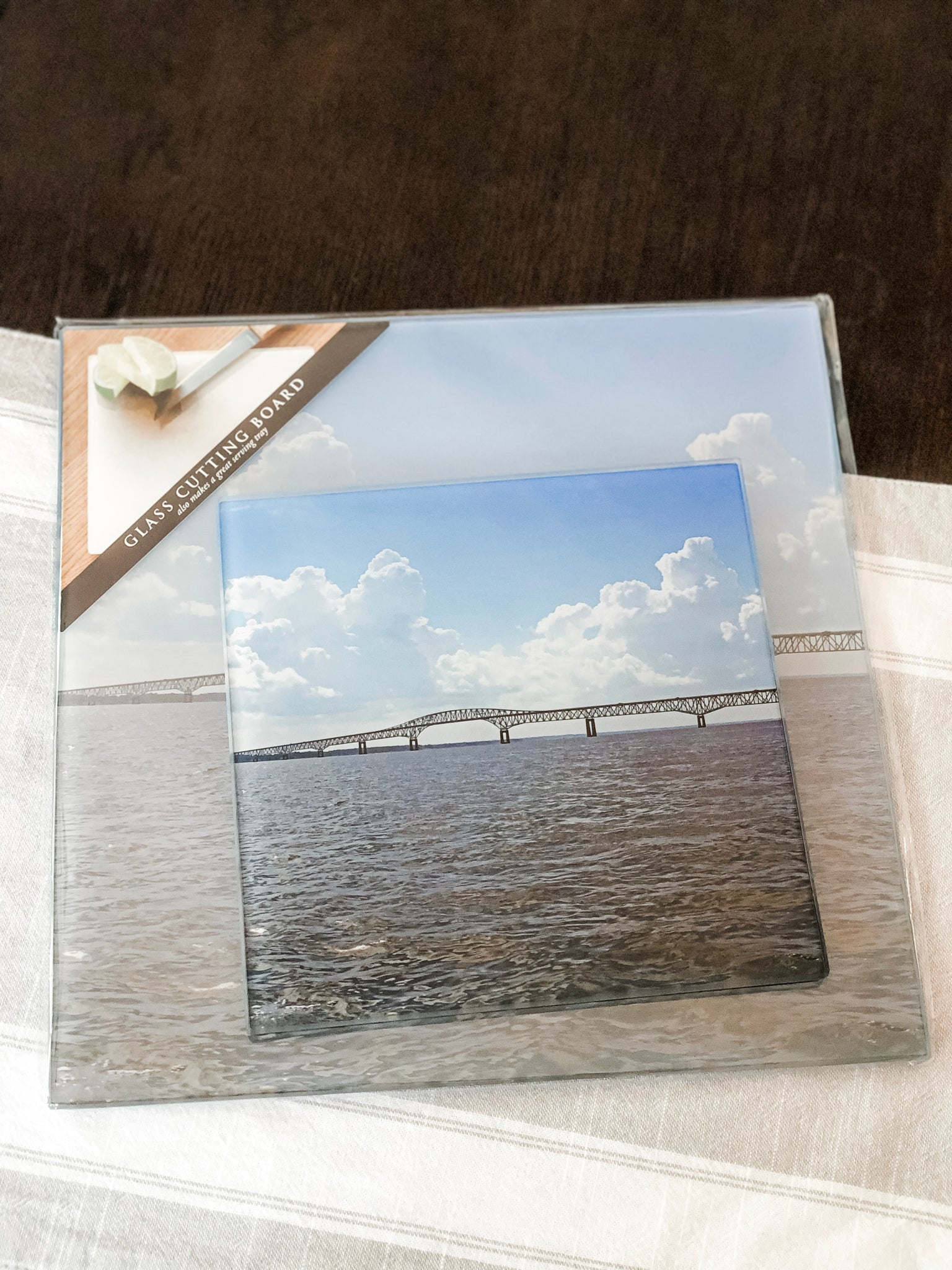 NORRIS BRIDGE CUTTING BOARD 8""
