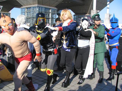 Cosplay Conga line from Geishblog.com