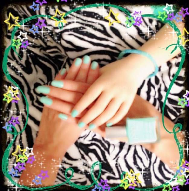 Mint Mani for TaliaJoy18