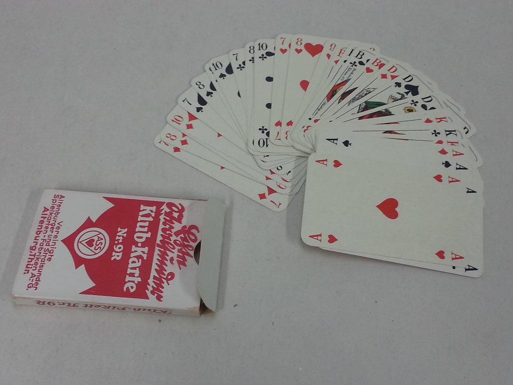 WWII German Skat Nr.9R Red Playing Cards