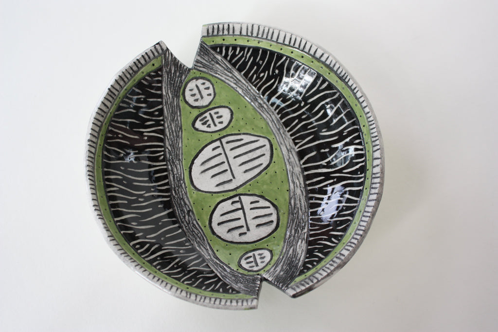 Dish with Green Pod Shape and Cutout (0117)