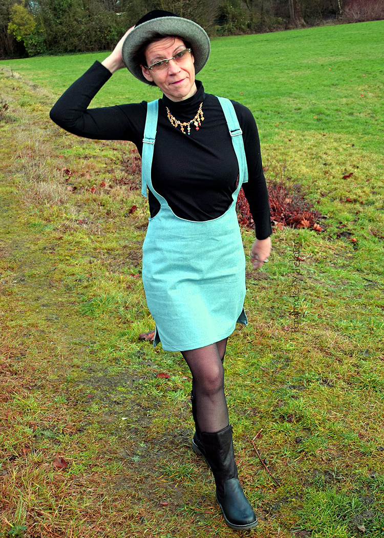 CARAFA the suspenders skirt - PDF sewing pattern by Kommatia Patterns