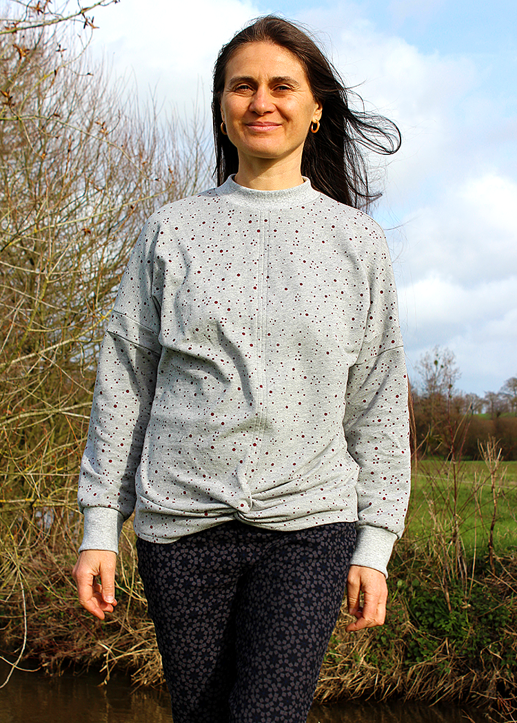 IRIS the sweatshirt - PDF sewing patterns by Kommatia Patterns