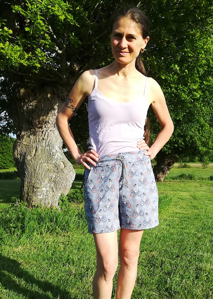 LYON the sweatshorts - PDF sewing pattern by Kommatia Patterns