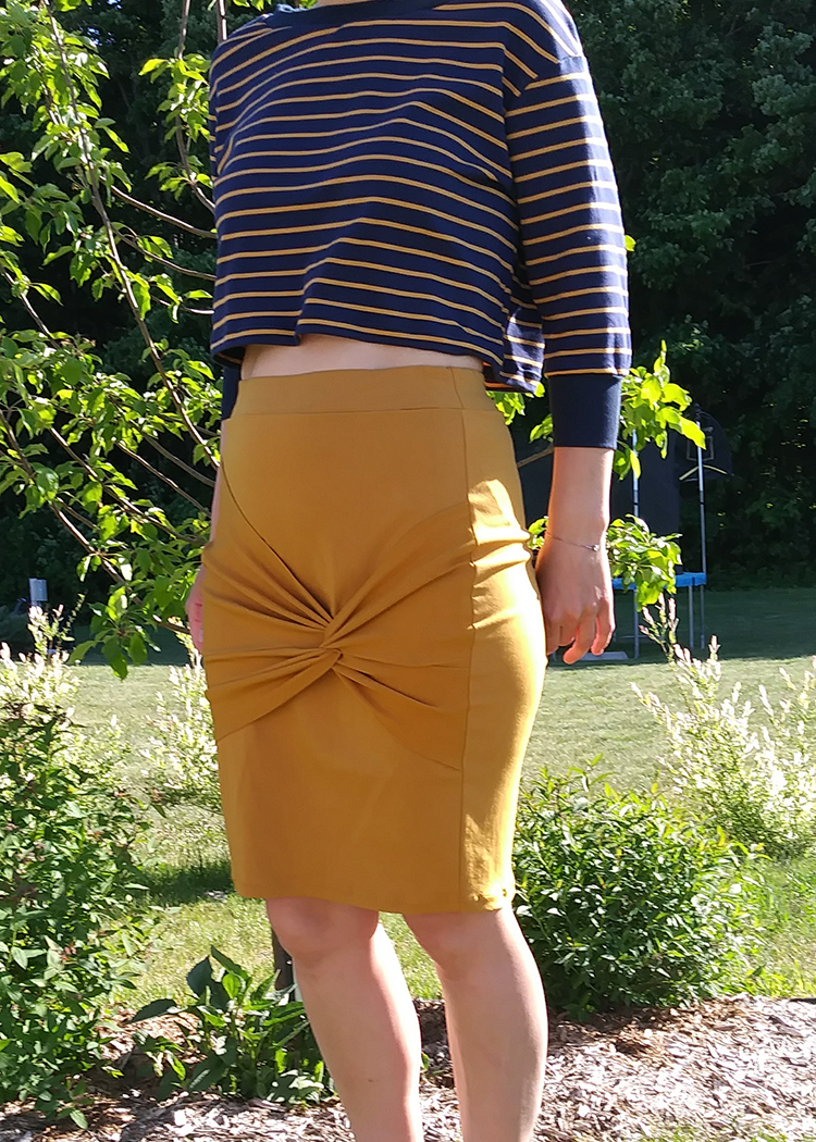 SLINKY twisted skirt - PDF sewing pattern by Kommatia Patterns