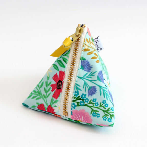 Triangle Zipper Pouch, Imaginary Field, mint