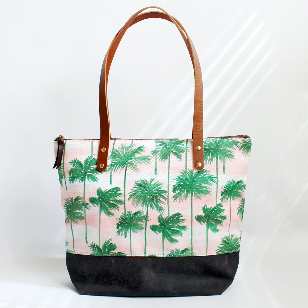 Tote, Palm trees