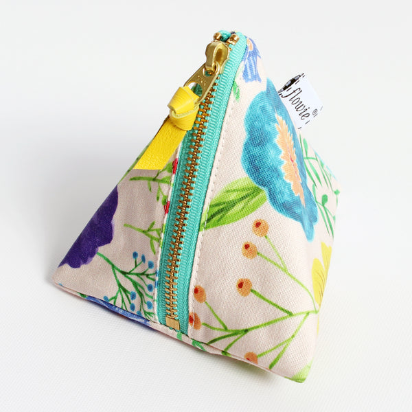 Triangle Zipper Pouch, Charlotte