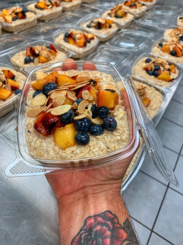 PEACH BLUEBERRY OATMEAL