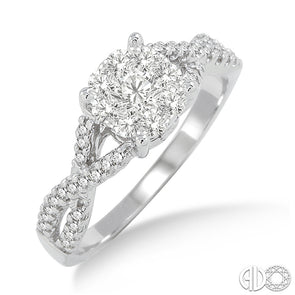 Lovebright Solitaire Twisted Shank Round Diamond Ring