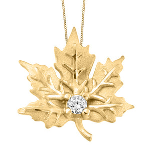 Detailed Yellow Gold Maple Leaf Pendant
