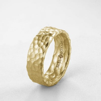 Intense Hammer Pattern Gold Band