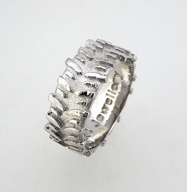 Treadz Swamper Ring