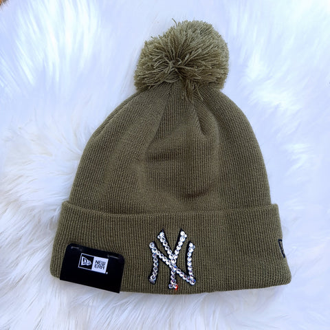 New Era Beanie (Black/White)