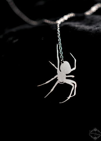 Lifelike Spider lariat style necklace in silver stainless steel