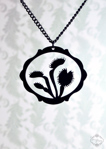 Venus Flytrap Carnivorous Plant necklace in black stainless steel