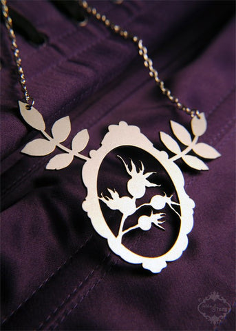 Leaf Victorian Frame Statement Necklace in stainless steel