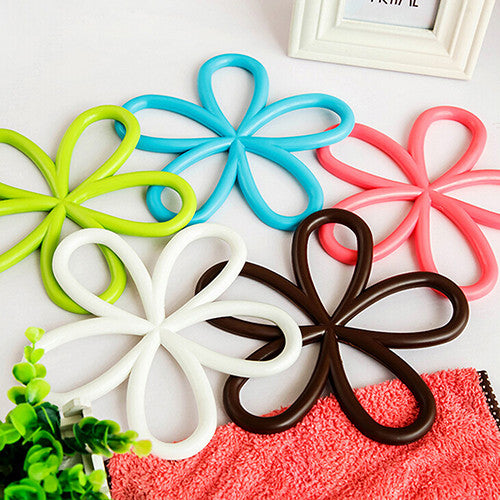 5 pc set Flower Shape PVC Anti-Slip Table Insulation Mat